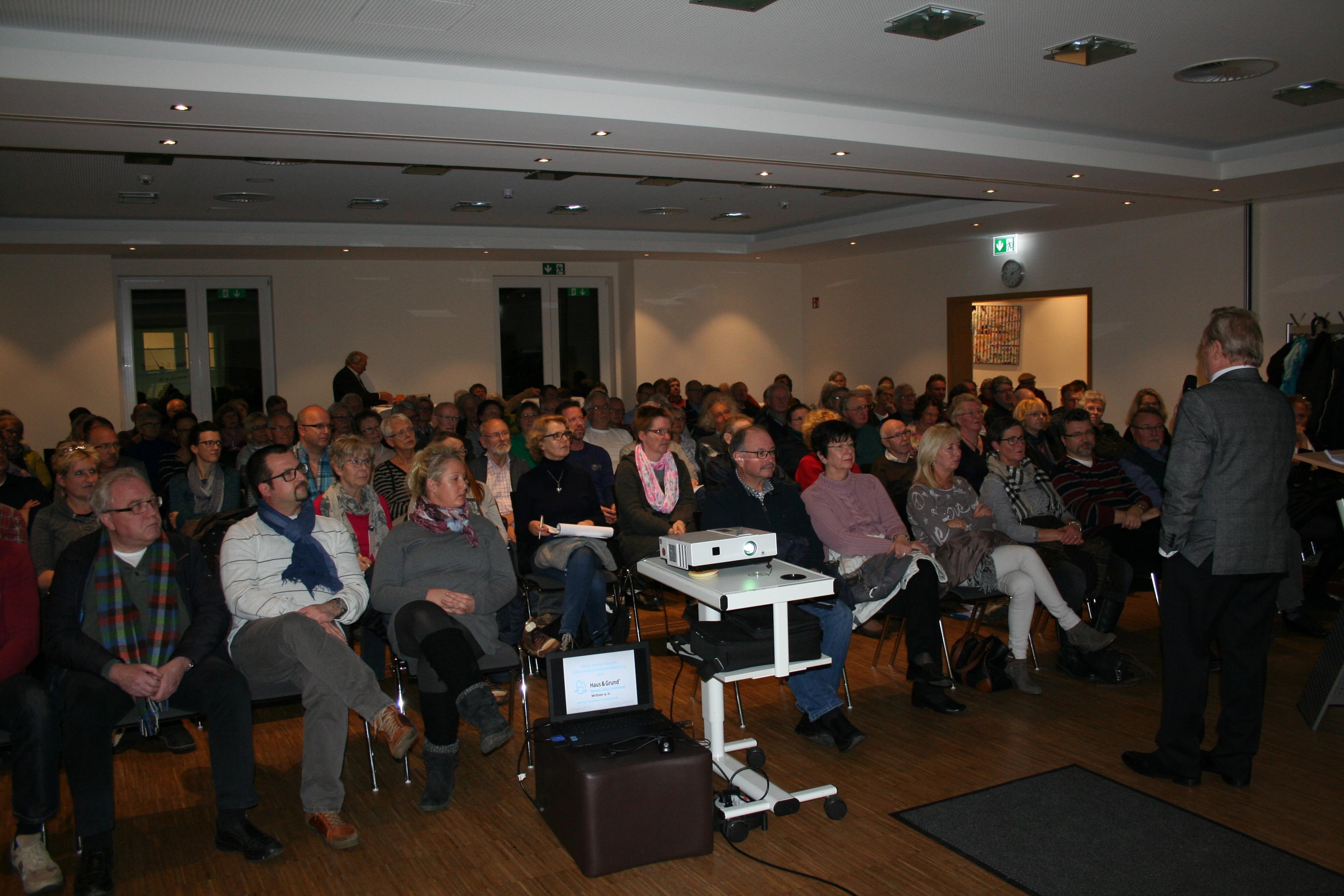 """Auf einen gelungenen Abend konnte Haus & Grund Witten e.V. anlässlich der Veranstaltung zu dem Thema """"Erbrecht für Immobilieneigentümer"""" am 14.11.2017 zurückblicken. - IMG_2787"""